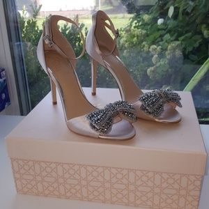 Brand new Badgley Mischka Zelina Champagne shoes